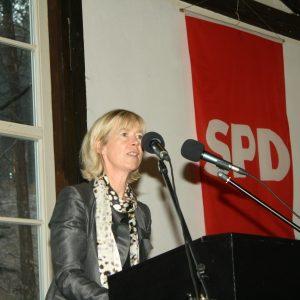Ministerin Doris Ahnen bei ihrer Rede zum Neujahrsemfpang 2011