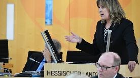 Elke Barth bei Ihrer Rede im Hessischen Landtag